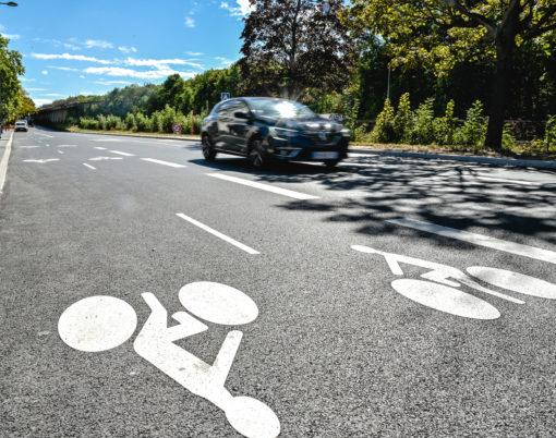 Piste cyclable Meudon-la-Forêt, avenue Etlin.